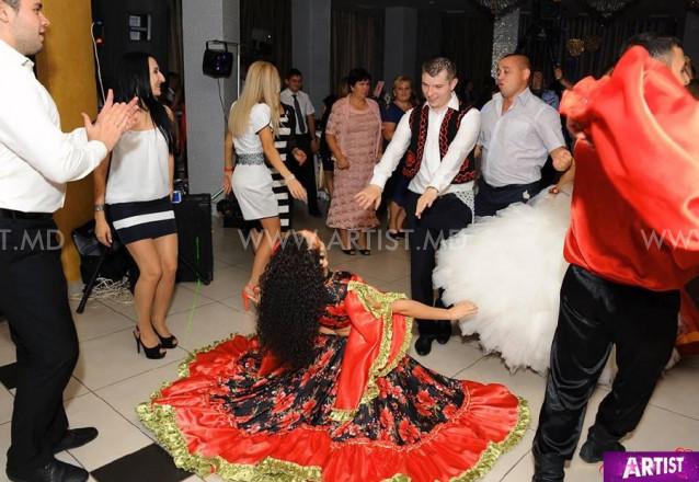 народные танцы на торжества ARTaDance