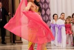 Профессиональные танцоры Struguraş