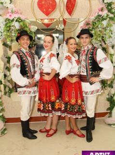 Танцоры IZVORAS